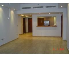 For Rent: Flat, 2 Beds+ Maid in Marina Residence Palm Jumeirah - AED 175,000